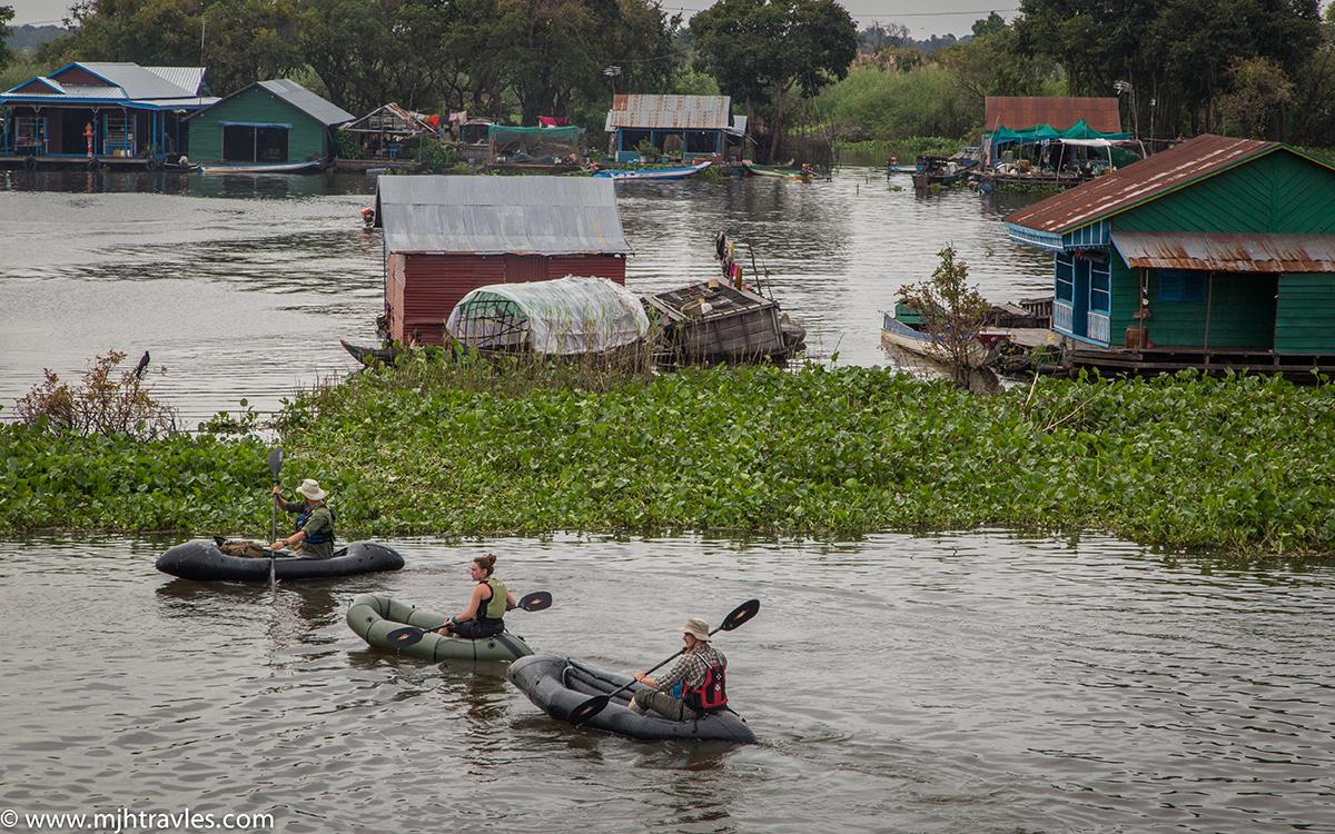 the kingdom of cambodia The kingdom of cambodia (ព្រះរាជាណាចក្រកម្ពុជា ឬ ប្រទេស កម្ពុជា) (sometimes transliterated as kampuchea to more closely represent the khmer pronunciation) is a southeast asian nation bordered by vietnam to the east, laos to the north, thailand to the northwest, and the gulf of thailand to the.
